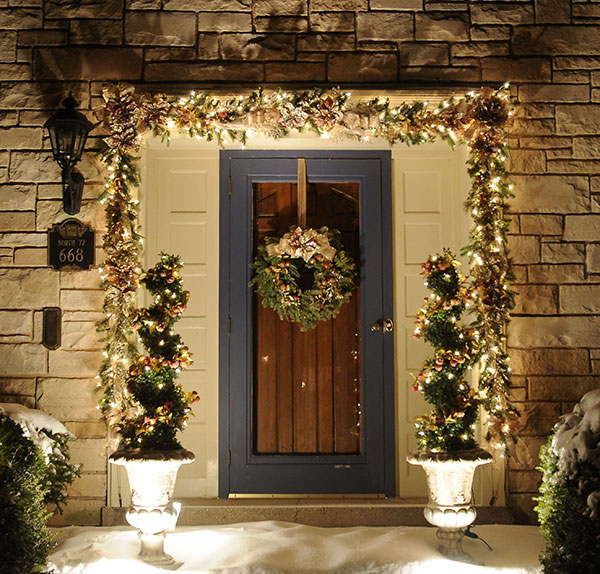 Christmas Decorations For Neighborhood Entrances : Home holiday decor christmas milwaukee wi