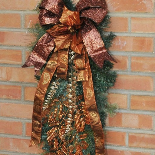 Christmas Holiday Décor, Exterior, Front Entrance, Decorated Swag